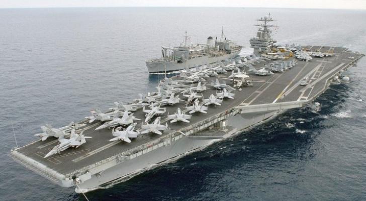 حاملة طائرات امريكية