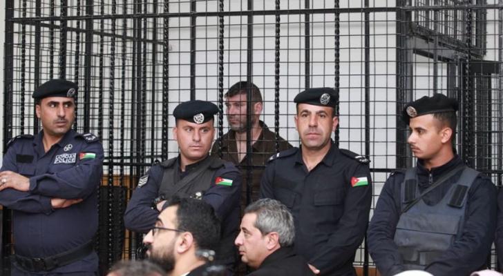 المستوطن المتسلل للأردن لحظة محاكمته بأمن الدولة