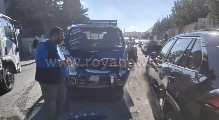 حادث تصادم بين مركبتين في المقابلين بعمان