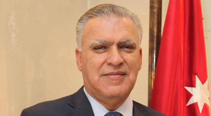 الوزير الأسبق والعين الحالي طاهر الشخشير