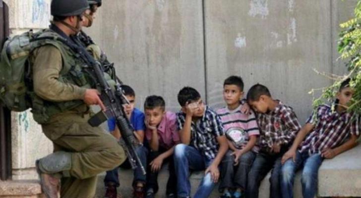 الاحتلال قتل 44 واعتقل 360 آخرين واستولى على 3 آلاف دونم الشهر المنصرم