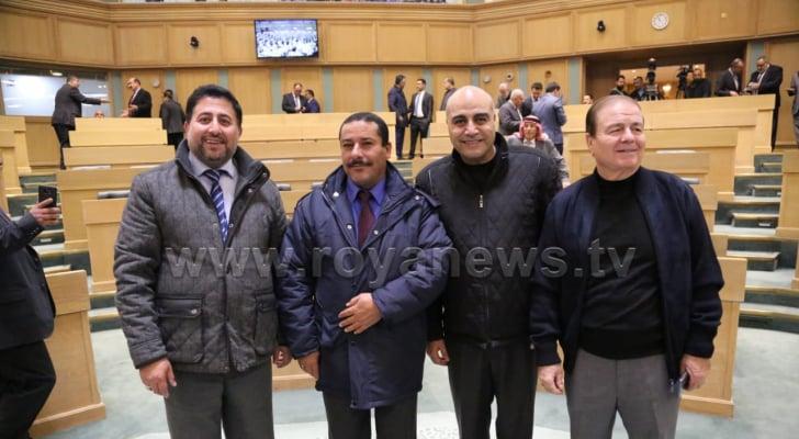 النواب، منصور مراد، صداح الحباشنة، غازي الهواملة، أحمد الرقب خلال جلسة الثلاثاء