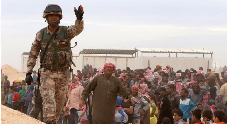 تستخدم حاليا أربع نقاط عبور، اثنتان عبر تركيا وواحدة عبر الأردن وواحدة عبر العراق