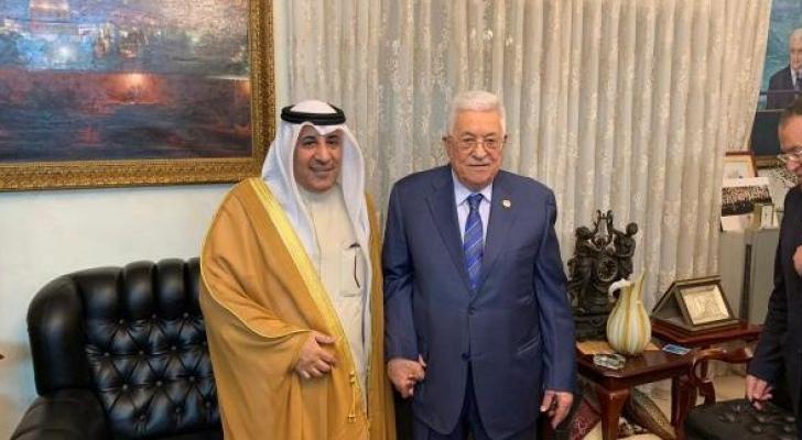 الرئيس عباس والسفير الديحاني - ارشيفية