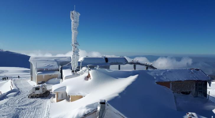 الثلوج تكسو جبل الشيخ