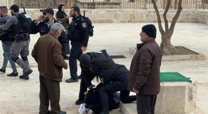 الاعتداء رافقه اعتقال نساء