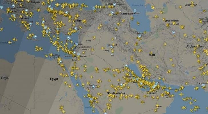 تبدو الأجواء العراقية والإيرانية أقل ازدحاما من أجواء الجوار