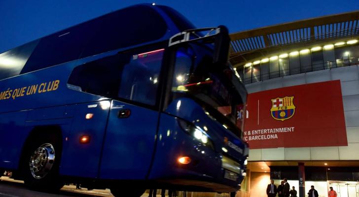 وصلت حافلة برشلونة إلى موقع التدريب متأخرة 45 دقيقة بسبب الازدحام المروري في المدينة