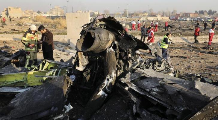 جزء من الطائرة الأوكرانية التي تحطمت في إيران