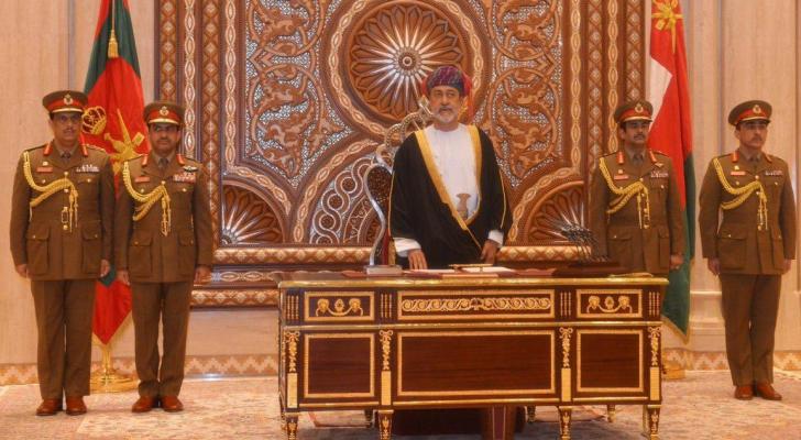 وزير التراث والثقافة هيثم بن طارق يؤدي القسم سلطاناً لعُمان
