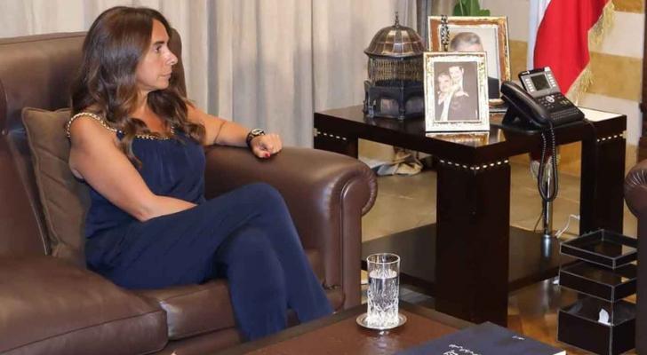 أول وزيرة دفاع في الوطن العربي
