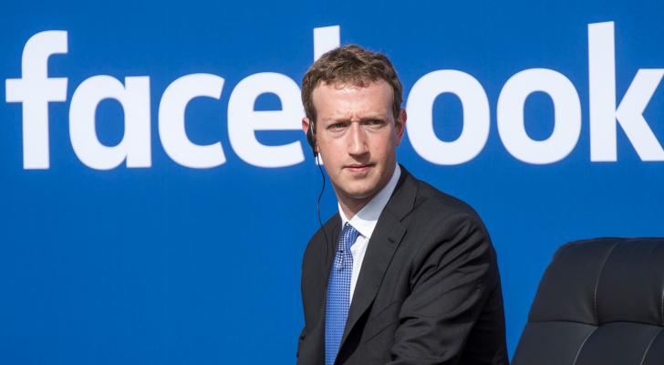 """زوكربيرغ يغير """"فيسبوك"""" جذريا و""""يغضب الناس"""""""