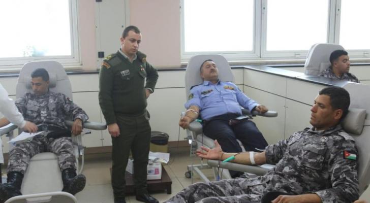 الملك يوجه نشامى الأمن العام بتأمين وحدات دم لأحد المواطنين