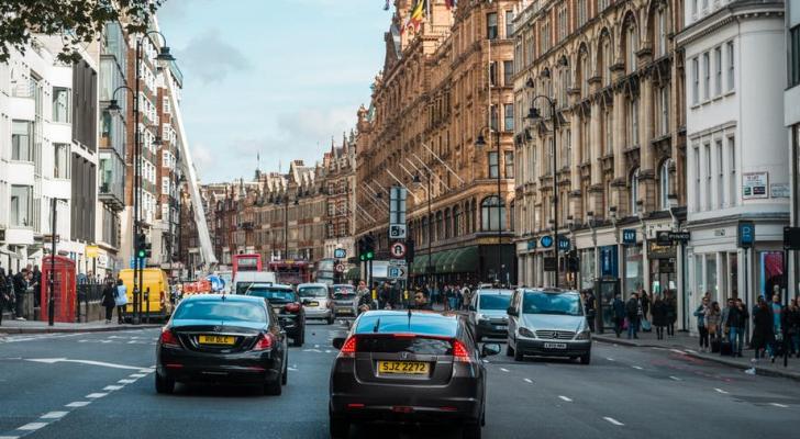 بريطانيا تعلن حظر سيارات البنزين والديزل بعد 15 عاما