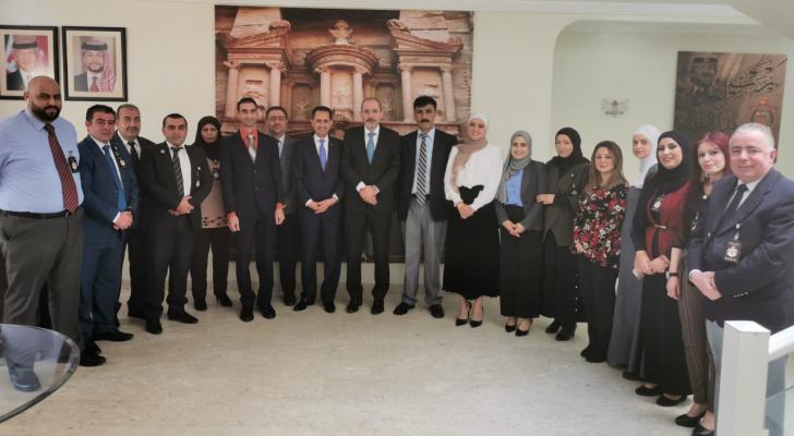 وزير الخارجية :خدمة المواطنين المغتربين في مقدمة مهام البعثات الدبلوماسية