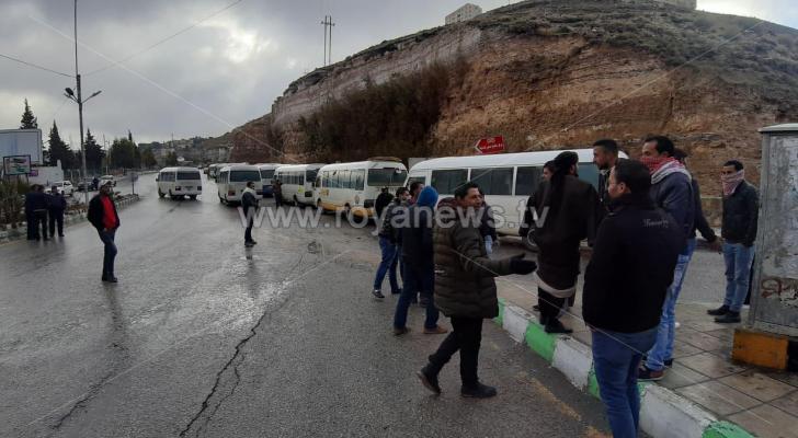 جانب من اضراب سائقي الحافلات في الكرك