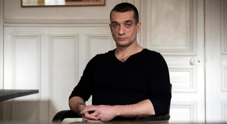 الفنان الروسي المثير للجدل بيوتر بافلينسكي