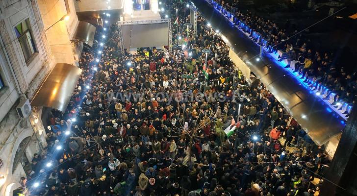 الآلاف يصلون الفجر في مساجد فلسطين ويبتهلون لتحرير الأقصى