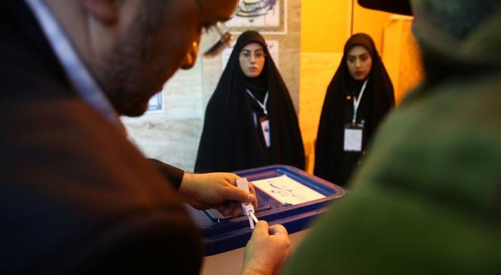 بدء التصويت في الانتخابات التشريعية في إيران