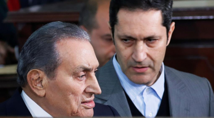 علاء مبارك ووالده حسني مبارك