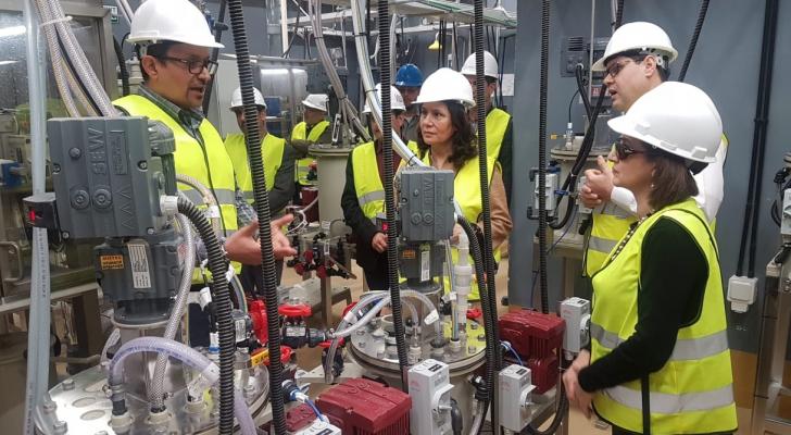 زواتي تطلع على سير العمل بشركة تعدين اليورانيوم