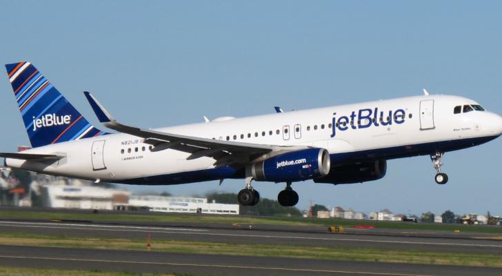المسافر وضع طاقم الطائرة والمسافرين في حالة ارتكاب واضحة