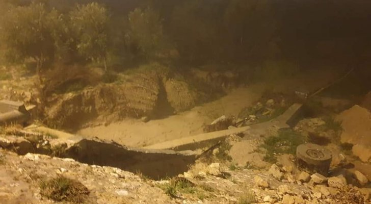 مياه الأمطار تتسبب بانهيارات وانجرافات في وادي موسى