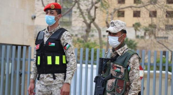 بدء انتشار القوات المسلحة على مداخل ومخارج محافظات المملكة