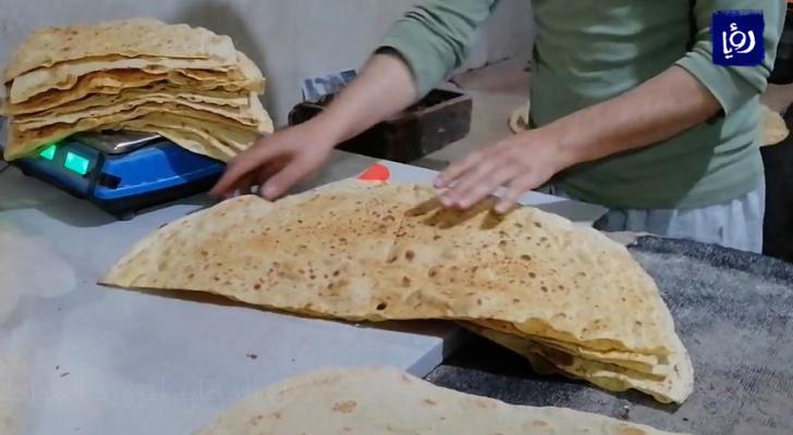 بدء العمل في المخابز لتزويد المواطنين بالخبز