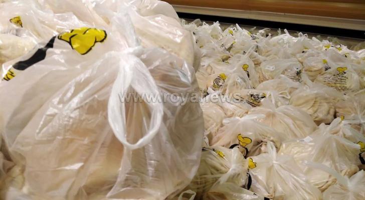 الحكومة: الخبز سيوزع يوميًا لـ 8 ساعات وسيصل كل بيت