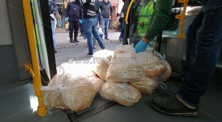 نواب:  عملية توزيع الخبز في يومها الأول تحتاج إلى إعادة نظر