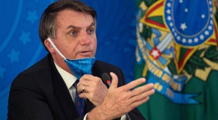 بولسونارو يصف وباء كورونا بأنه خدعة إعلامية للإطاحة به