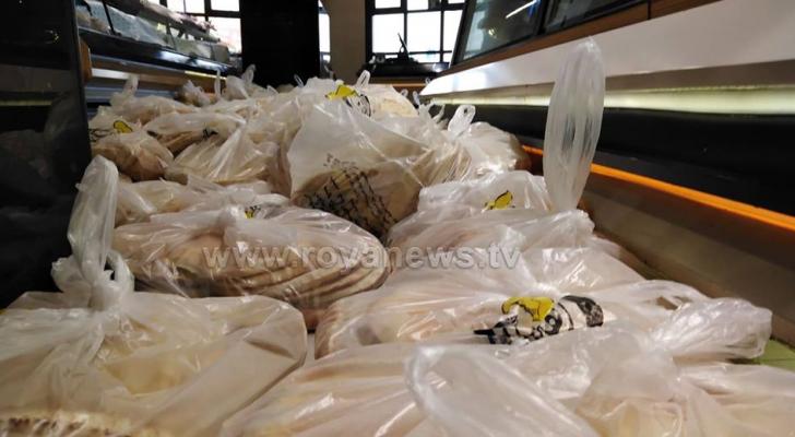 عمل المخابز وتوزيع الخبز سيكون مفتوحا والى اشعار آخر