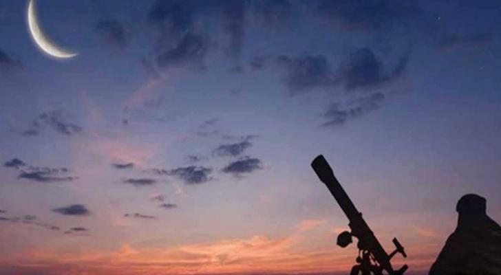 يغيب القمر  في الأردن بعد 22 دقيقة من غروب الشمس، وعمره 14 ساعة و47 دقيقة