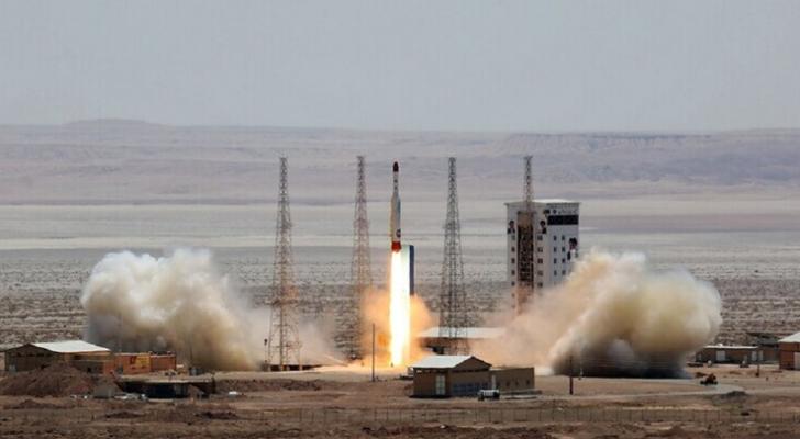 إيران تعلن عن إطلاقها أول قمر صناعي عسكري بنجاح