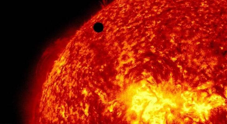 """حذر علماء فلك من دخول الشمس فترة """"سبات كارثي"""""""