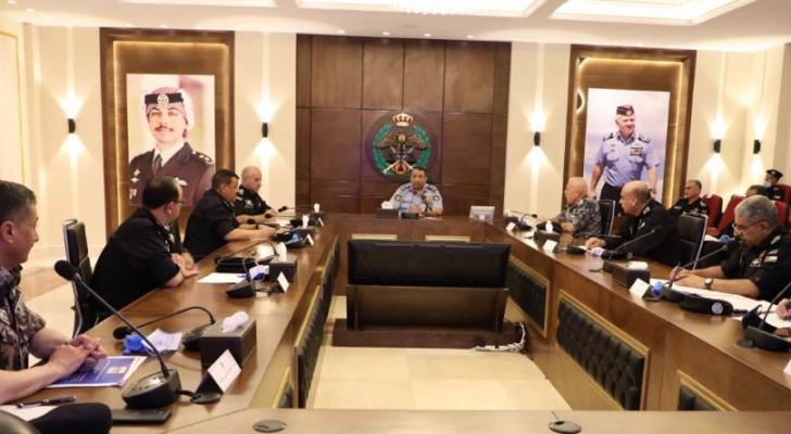 من الاجتماع