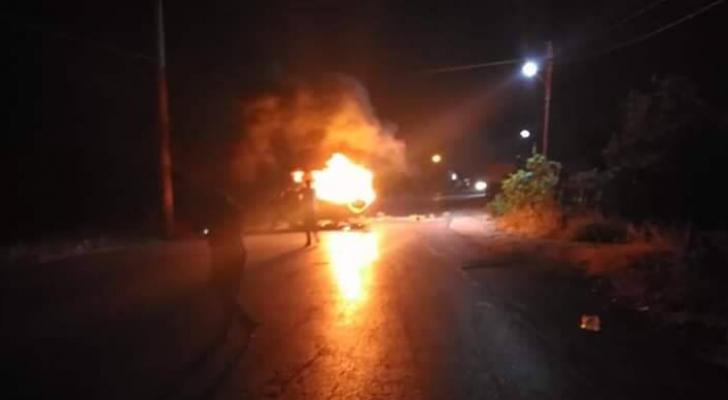 تجدد اعمال الشغب في منطقة ارحابا وحرق مركبة على خلفيه مقتل الشاب محمد العماوي