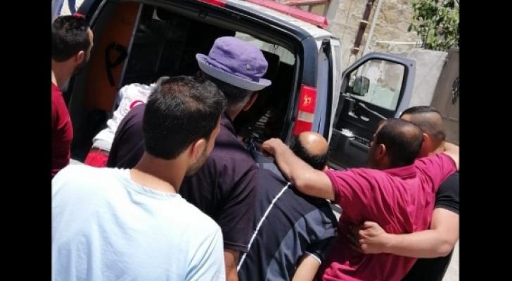 تعرض ضابط بالشرطة الفلسطينية لضرب مبرح من قبل مستوطنين