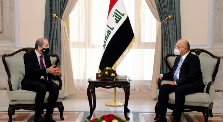 الصفدي ينقل رسالة من الملك للقيادة العراقية ويلتقي مسؤولين