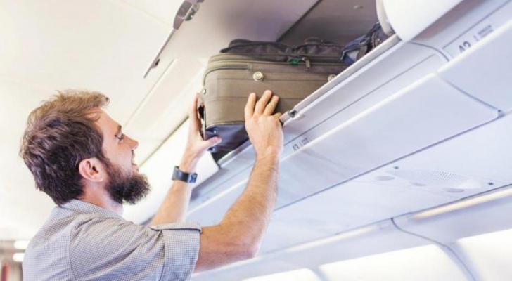 الهدف من القرار منع التلامس بين الركاب والحد من الحركة داخل الطائرات