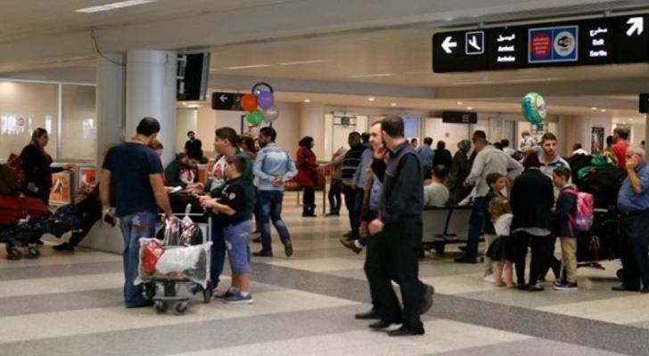 لبنان ينفي منع إدخال القادمين عبر المطار لأكثر من ألفي دولار