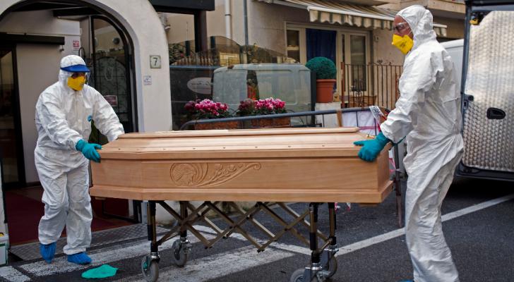 وفيات كورونا حول العالم تتخطى النصف مليون