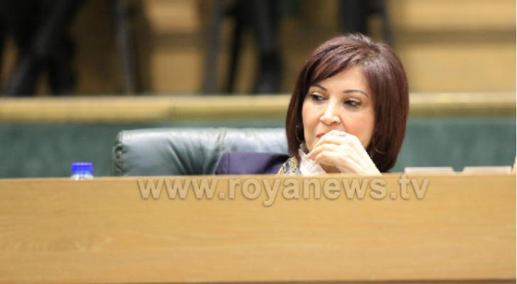 وزيرة السياحة والآثار مجد شويكة