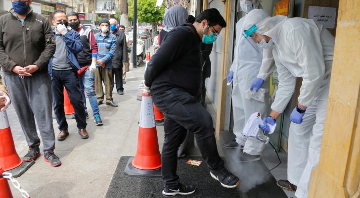 عشرات الإصابات بكورونا بين الممرضين اللبنانيين.. والمستشفيات تستنفر