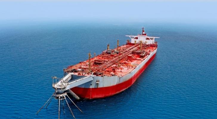 محمّلة بأكثر من مليون برميل من النفط الخام ومهدّدة في أيّ لحظة بالانفجار