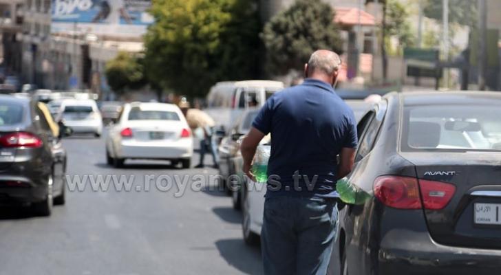انقطاع أحد المواطنين من البنزين - ارشيفية