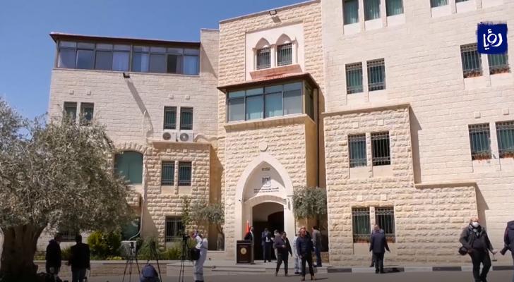 منسق الأمم المتحدة يحذر من انهيار السلطة الفلسطينية اقتصاديا جراء تراجع الإيرادات