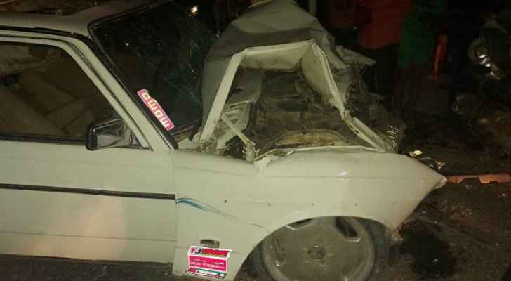 7 إصابات بحادث تصادم بين مركبتين في الغور – صور
