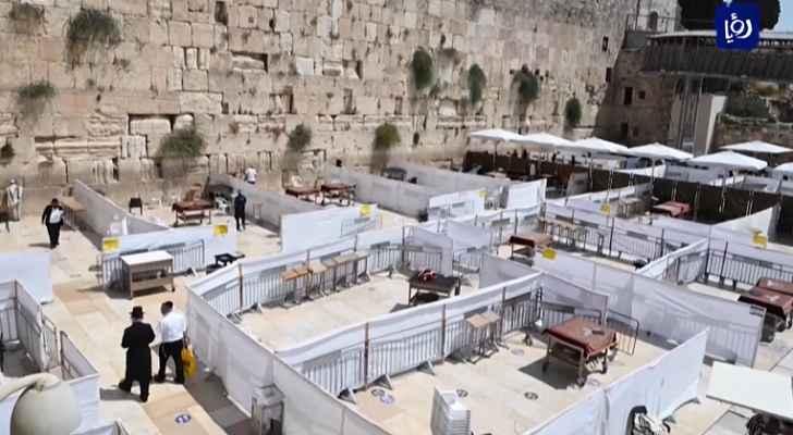 الاحتلال يضيق على المقدسيين بذريعة ما يسمى بعيد الغفران - فيديو